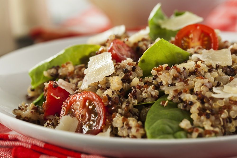 Healthy Vegetarian Quinoa Salad with Tomatoes and Spinach