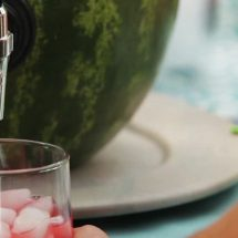 طرز ساخت ظرف نوشیدنی توسط هندوانه